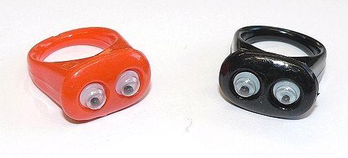 Ringe mit Wackelaugen, schwarz und orange